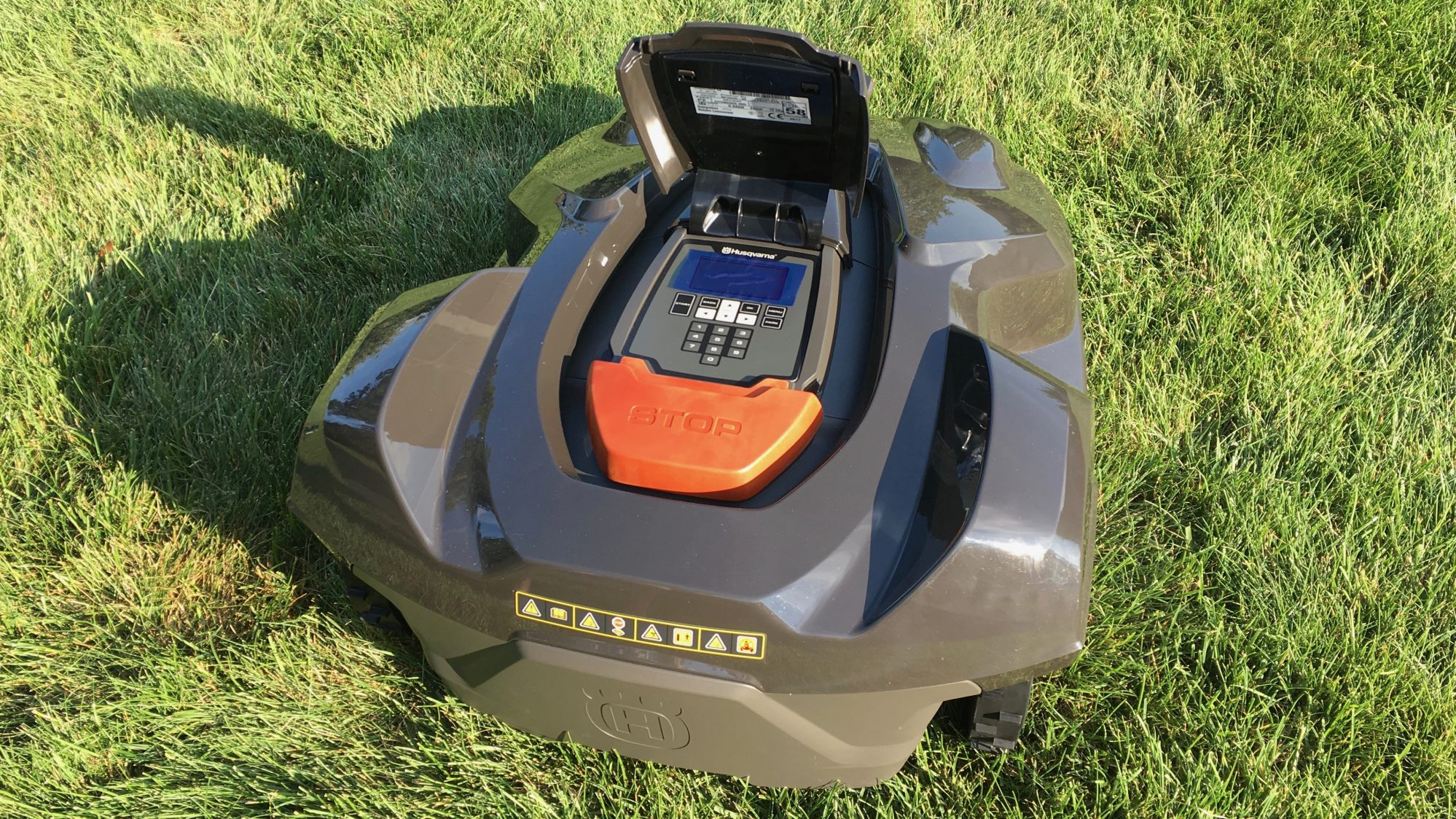 husqvarna automower the ios controlled mower that cuts your lawn so you don 39 t have to video. Black Bedroom Furniture Sets. Home Design Ideas