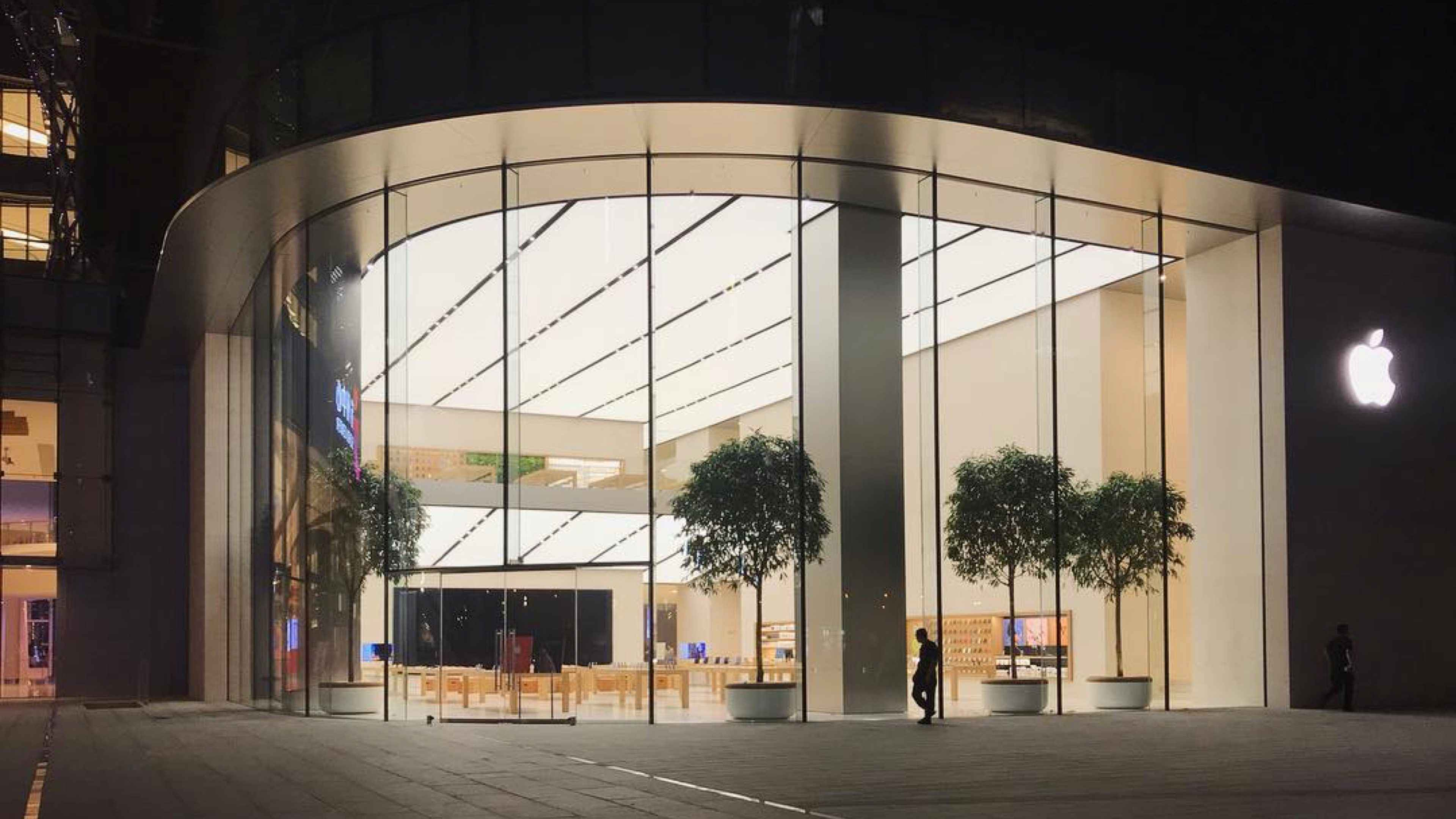 New Suzhou And Eastview Apple Stores Open To Iphone Xs And
